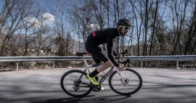 ciclismo Colnago e64 bici pedalata assistita