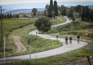 Vacanze a pedali: le suggestioni del percorso permanente di Eroica Montalcino